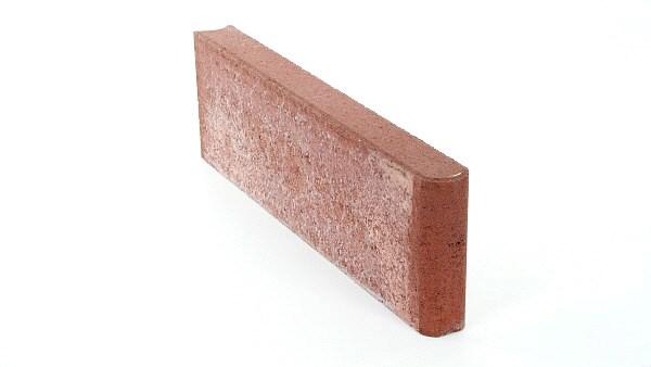 Hiekkapuhallettu betonilaatta